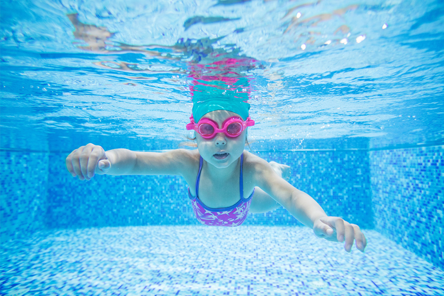 Nataci n individual en tomares piscina tomares for Piscina cubierta tomares