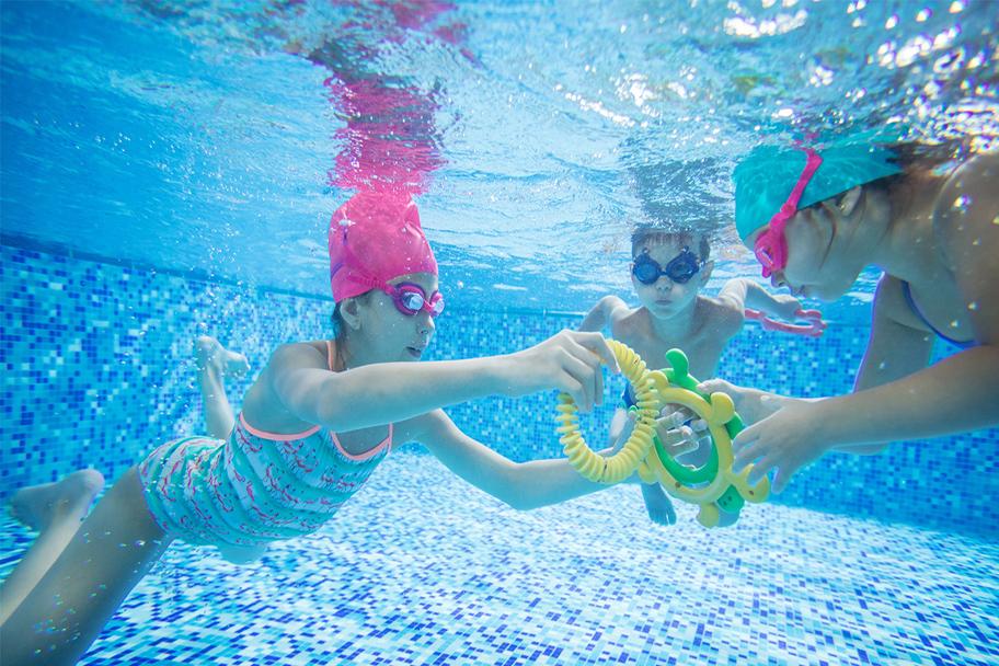 Clases de nataci n master en tomares piscina tomares for Piscina tomares